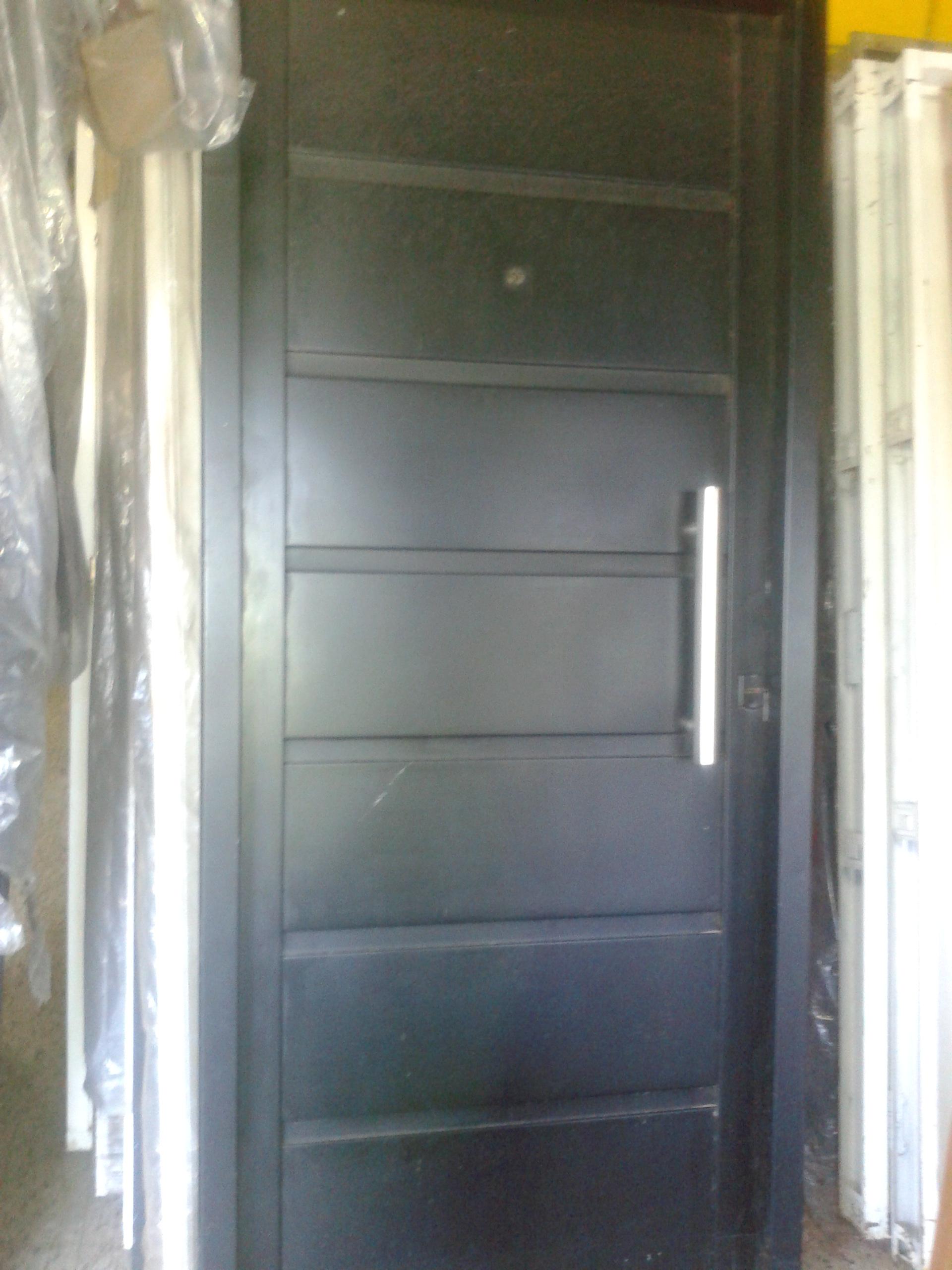 Puertas de chapa categor as de los productos extra - Puerta de chapa ...